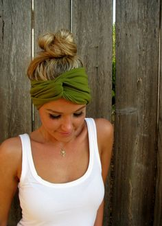 The Infinity Head Scarf In Moss Green Rayon Cotton by HillNTrees . The Infinity Head Scarf In Moss Green Rayon Cotton by HillNTrees . Bandana Hairstyles, Cute Hairstyles, Curly Hair Styles, Natural Hair Styles, Barrettes, Hair Skin Nails, Bandeau, Hair Trends, Hair Inspiration