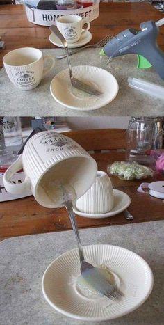 """Décorations de Noel DIY avec une tasse! 15 idées pour vous inspirer... Décorations de Noel DIY. Si vous aimez les petites décorations de Noel """"fait maison"""",vous allez être servi! Jetez un petit coup d'oeil à ces magnifiques petites créations de..."""