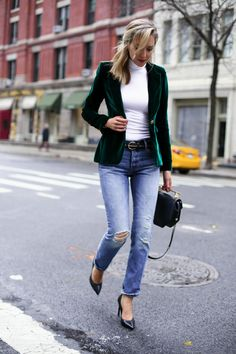smythe-green-velvet-blazer-boyfriend-jeans-rhinestone-bow-barrette-casual-holiday-style3