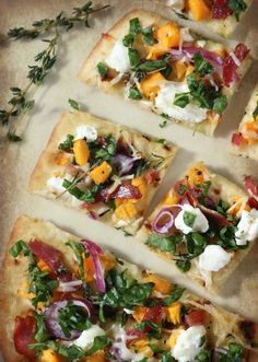 Healthy Flatbread Pizza is the perfect vegetarian recipe to serve for dinner or as an appetizer.