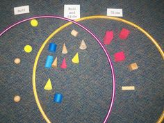 3 D shapes - roll and Slide Venn A recording sheet would go great so students can compare after they visually sort. 3d Shapes Kindergarten, Teaching Shapes, Preschool Math, Math Classroom, Fun Math, Teaching Math, Teaching Ideas, Preschool Plans, Kindergarten Learning