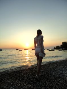 TOTAL WHITE SUNSET