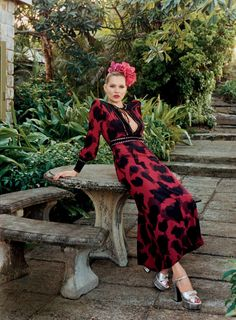 ☆ Kate Moss | Photography by Venetia Scott | For Vogue Magazine US | May 2015 ☆ #Kate_Moss #Venetia_Scott #Vogue #2015