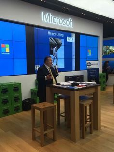 Steve  Finch Cerritos California, Business Education, Microsoft, Presentation, University, Usa, Store, Tent, Larger