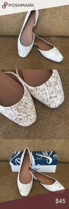 """Lucky Brand Randall flat size 6.5 New in box Lucky Brand Randall flat size 6.5 New in box. Calf hair leather upper. Synthetic lining. Rubber outsole. Heel 0.39"""". Color desert cat. Cream and brown. Lucky Brand Shoes Flats & Loafers"""