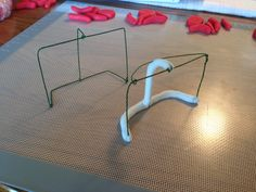 hockey nets wire and fondant