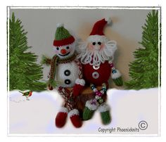 Santa and snowman bead legs - This pattern is available as a free Ravelry download. Free Phoenixknits pattern for Christmas 2012 - enjoy! Swap and change, make your little Snowman and Santa just how you want them, either with arms and legs of beads or twisted cords. Choose your own colour combinations. Sitting, both Santa and the little Snowman measure approximately 5 inches high, but their legs can be as long or short as you like.