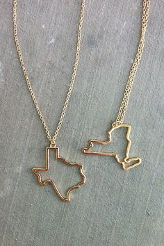 State Necklace... I've lives so many places! I should get the three states I've lived in all my life