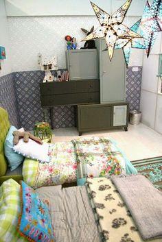 Michelle - Blog #Cabinets #Unstructured Fonte : http://design-shimmer.blogspot.com/search/label/children