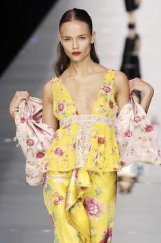 Flower fashion chic/karen cox....Valentino