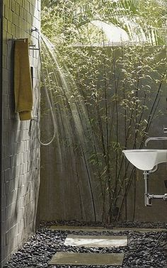 ahh-mazing outdoor shower