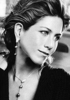 I'd be a lesbian for Jennifer Aniston.