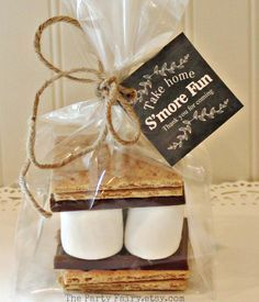 S'mores Party Favor Kits, 12 S'mores Favor Kits with Chalkboard Tag, Rustic Wedding Favors, Cowboy Party, Camping, Party Favor, Baby Shower by ThePartyFairy on Etsy www.etsy.com/...