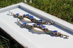 Dieses Armband ist eine Liebeserklärung an alle, die ein kräftiges Blau mögen.