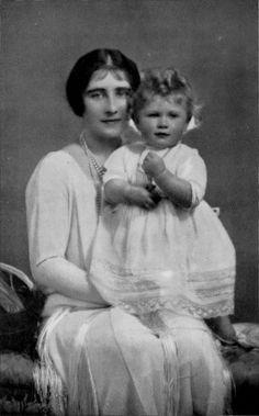 Baby Photo of Queen Elizabeth II and Queen Elizabeth the Queen Mother.