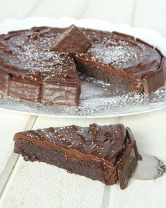 (Recipe in Swedish) After Eight Kladdkaka Cake Bites, Swedish Recipes, Cute Cakes, Ice Cream Recipes, Homemade Cakes, Something Sweet, Creative Food, Let Them Eat Cake, Baking Recipes