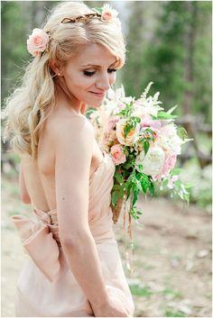 Organic Blush and Gold Colorado Wedding | Connie Dai Photography
