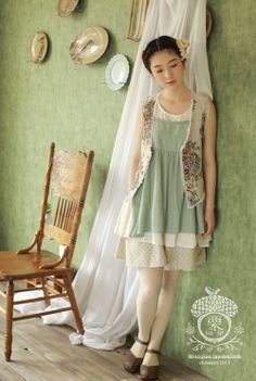 what is mori girl - Bing Images Mori Girl Fashion, Forest Girl, Japanese Fashion, Couture, Flower Girl Dresses, Style Inspiration, Fashion Outfits, Summer Dresses, Mori Style