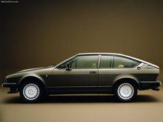 Alfa Romeo Alfetta GTV - Le romantisme à l'italienne.     Découvrez nos véhicules Alfa Romeo sur: http://www.chacun-son-auto.com/annonce-alfa+romeo/