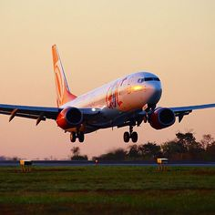 Boeing 737-800, PR-GXC segundos antes de tocar o solo mineiro. #cnf #cnfaovivo #bh #bhz #bhairport #bhairportcargo #voegol #boeing