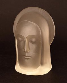 Satinated pressed glass sculpture the head of Christ design Stef Uiterwaal 1929 executed by Glasfabriek Leerdam / the Netherlands