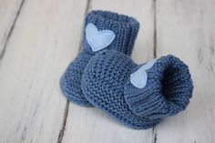 Baby Booties Knitting Pattern, Knitting Patterns, Kids And Parenting, Crochet Hats, Snoopy, Caps Hats, Dressmaking, Manualidades, Reborn Babies