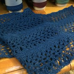 Free Pattern: Feather and Fan Scarf by Anastasia Damrau