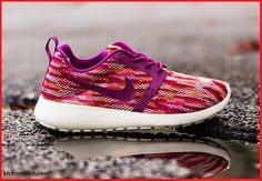 Love Sneakers?: For the girls...Nike Roshe Run Flight Weight GS – Bold Berry / Pink Pow http://gotmysneakers.blogspot.co.uk/