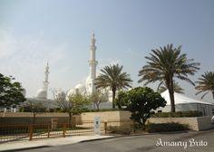Impressive The Sheikh Zayed Grand Mosque at Abu Dhabi