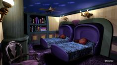 Disney's proposed Haunted Mansion rooms. I wish they would have actually done this ! We would have jumped at the chance to stay here ! Who needs The Little Mermaid when you have Grim Grinning Ghosts !?