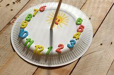 Sluneční hodiny - V létě je ideální čas pustit se do výroby slunečních hodin, tyto jsou kreativně vyrobeny z papírového talíře. ( DIY, Hobby, Crafts, Homemade, Handmade, Creative, Ideas, Handy hands)