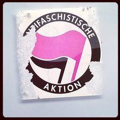 #antifaschistische aktion #antifascist aktioner #antifacism #antifascistiska kampanjen kampen #katutaidetta #Helsinki #katutaide 15.4.16 #fasismiavastaan #steetart #sticker #tarra