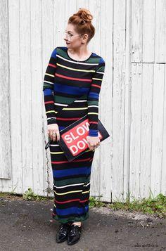 Love your Curves! Das könnte das Motto sein zu meinem Look :) Wie haltet Ihr das mit Euren Kurven?  #schlauchkleid #engeskleid #maxikleid #streifen #streifenkleid #curves #kurven #statementclutch #stripes #streifenmuster #over40style #Ü40mode #Ü40blog #over40blog #fashionover40 #40plusstyle #ü40 #mature #maturewoman #womenwithstyle #ü40blogger #ü40bloggerin #over40fashion #over40andfabulous #over40fashionblogger #40plus #40plusblogger #40plusfashion
