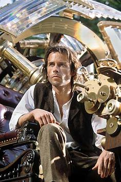 The Time Machine, 2002 with Guy Pearce Steampunk Movies, Steampunk Men, Steampunk Cosplay, Steampunk Clothing, Guy Pearce, Time Machine Movie, The Time Machine, Sci Fi Movies, Good Movies
