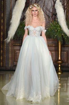 Pin for Later: 75 Robes de Mariées Qui Seront Partout Cette Saison Galia Lahav Bridal Printemps/Été 2016