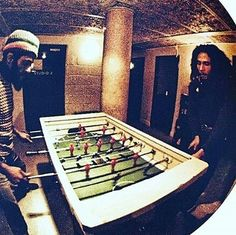 **Bob Marley** & Alvin 'Seeco' Patterson, London, UK, 1977. More fantastic pictures, music and videos of *Robert Nesta Marley & His Wailers* on: https://de.pinterest.com/ReggaeHeart/ ©Neville Garrick