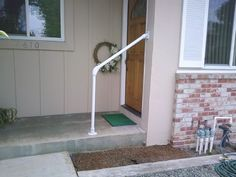 A Simple Handrail for Residential Environments