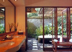 I've always wanted an open-air bathroom....love this!  You'd always know where to find me!