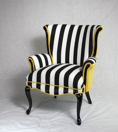 Sold CAN REPLICATE  Black and White striped Vintage Round