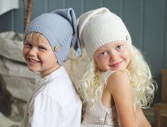 «To skjønnasser i #skjønnaslue opp til str 6 år som kommer i strikkekalenderen vår :) #klompelompe Two sweeties in our skjønnas hat from our knitting…»