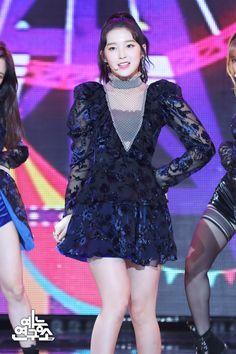 [Arin] Show! Girl Crushes, South Korean Girls, Korean Girl Groups, Arin Oh My Girl, Korean Birthday, Scene Photo, Kpop Girls, Peplum Dress, Style Me