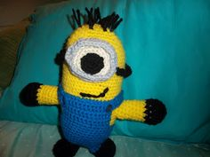 Miss Adrienne, what are we doing today? Minion Doll, My Minion, Minions, Minion Crochet Patterns, Crochet Ideas, Pattern Pictures, Crochet Animals, Crochet Dolls, Free Pattern