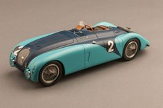 "Bugatti Type 57G ""Tank"" - 1937 24 Hours Of Le Mans Winner - 1:18 Scale Model Car"