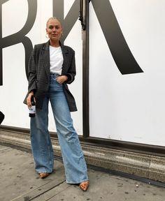 Como usar calça pantalona com blazer, looks com calça pantalona jeans, blazer e calça jeans. Look Fashion, Autumn Fashion, Fashion Outfits, Fall Outfits, Casual Outfits, Skandinavian Fashion, Looks Style, Style Me, Moda Jeans