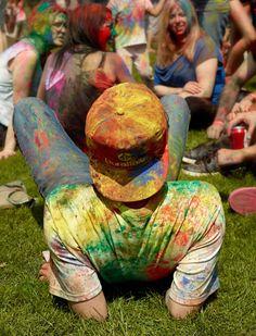 Asha Holi Festival of Colors 2012 Holi Festival Of Colours, Hindu Festivals, Spring Festival, Art Art, Ted Baker, Bucket, Yoga, Culture