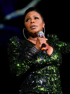 """Sommore, One of the """"The Queens of Comedy""""...she is just too fab!"""