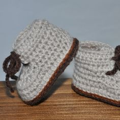 Crochet Baby Booties Baby Hiking Boots Tie by threekittensknitting, $15.00 Baby Hiking, Crochet Baby Boots, Baby Booties, Baby Shoes, Baby Needs, Hiking Boots, Looks Great, Booty, Quilts