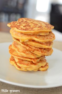 Savoury Pancakes anyone? My little one LOVED these, they would also be great with cream cheese or hummus etc spread over the top. Butternut Squash and Sweetcorn Pancakes Makes 10 mini pancakes Ingr...