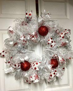 White Christmas Wreath, Snowflake wreath, Deco mesh Christmas Wreath, Christmas decor by LisasLaurels on Etsy