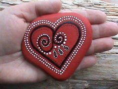valentine paint rock | romantic valentine painted rock DIY for girl | love painting rock for valentine decoration ideas | heart painted rock #handpainted